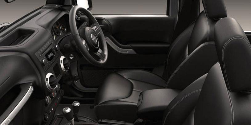2015 Jeep Wrangler Interior 01